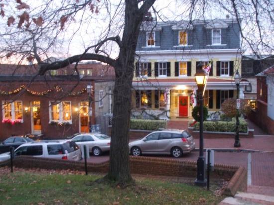 State House Inn: Our House!