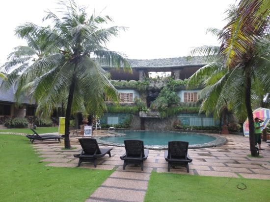 Bohol Tropics Resort: Pool