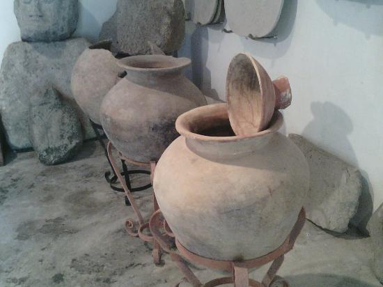 The Anton Valley Historical and Cultural Museum: Vasijas Precolombinas
