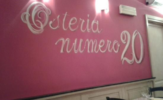 Osteria Numero 20: ...in sala