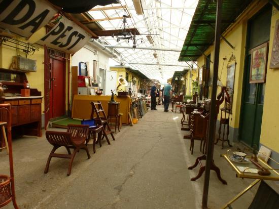 Ecseri Flea Market (Ecseri bolhapiac)