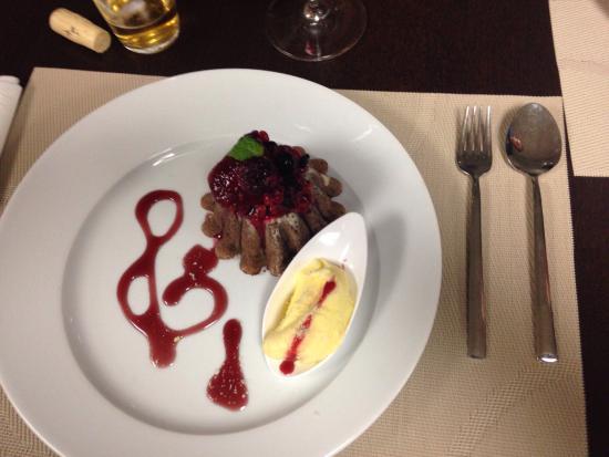 R3 Restaurante: Excelente petit gateaux de morrer por...