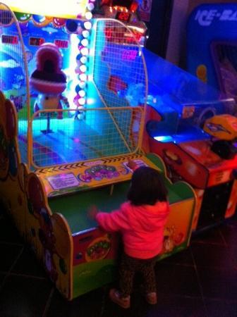 juegos modernos para niños - Picture of Shopping Center Larcomar ...