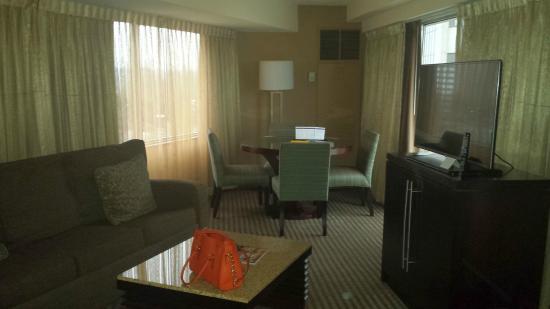 Hyatt Regency Greenville: Panorama Suite room 502