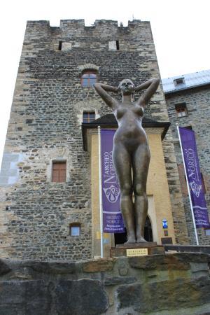 Burgmuseum Deutschlandsberg : Beautiful Statue on Museum entrance