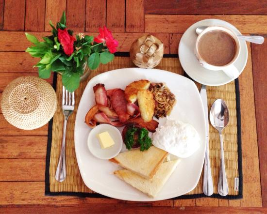 New Leaf Eatery: New Leaf Full Breakfast: $4   Nothing fancy. Would prefer Sister Srey Cafe for food ��