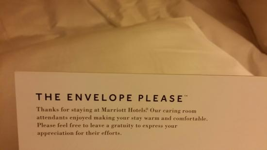 Provo Marriott Hotel & Conference Center: Tip Envelope Marriott provides and left on a pillow on my bed...