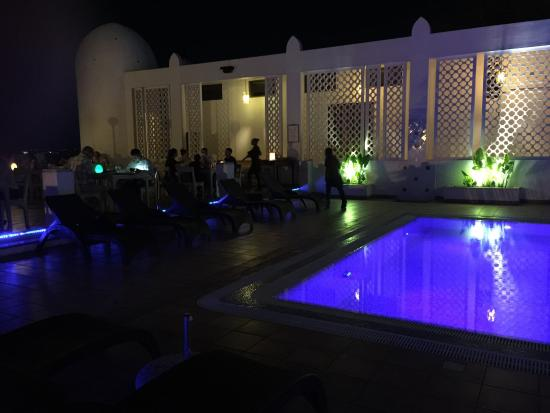 Terrace Restaurant: The pool with dining terrace
