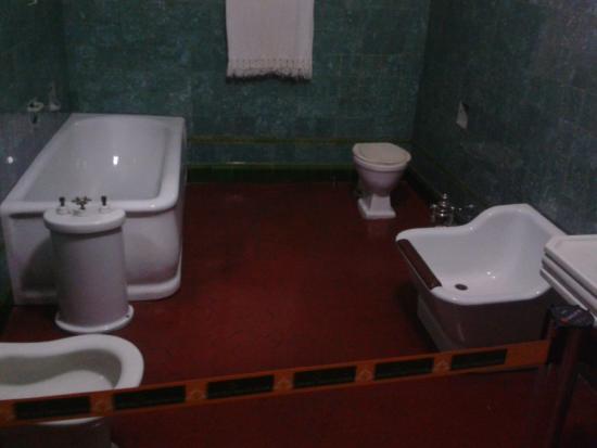 Paranaense Museum : Banheiro de família abastada