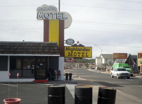 Highlander Motel: Letrero