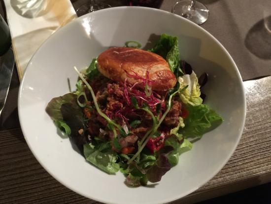 Le Grillardin : Pied de cochon désossés en salade croustillante