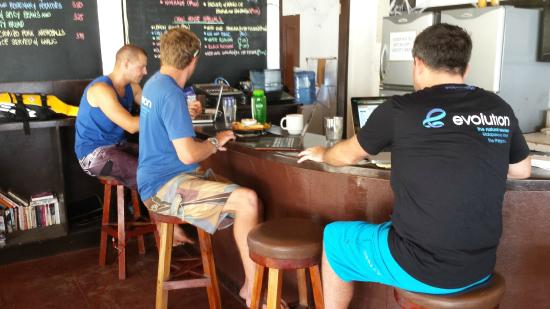The Craic House : Diving dudes in their natural habitat - the bar area