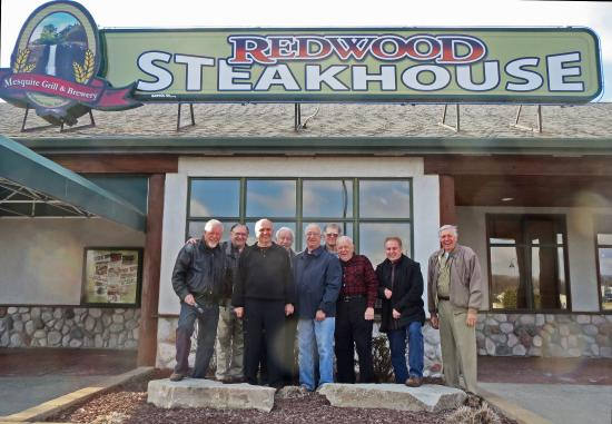 Redwood Lodge: 56 Guys at Redwood Steakhouse