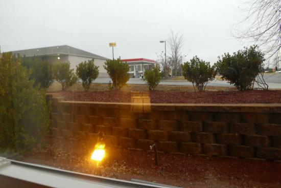 Country Inn & Suites by Radisson, Concord (Kannapolis), NC : gas station view-