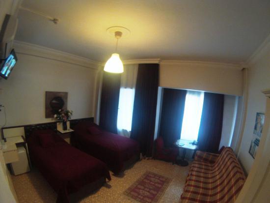 Guzel Izmir Oteli: twin room