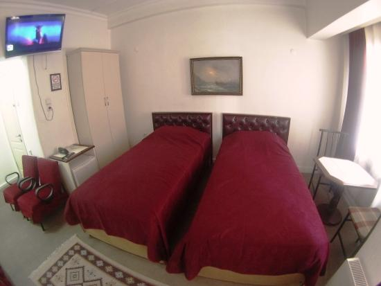 Guzel Izmir Oteli: twin room 2