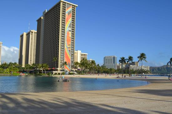 Ali I Tower Pool Picture Of Hilton Hawaiian Village Waikiki Beach Resort Honolulu Tripadvisor