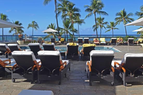 Hilton Hawaiian Village Waikiki Beach Resort Ali I Tower Pool