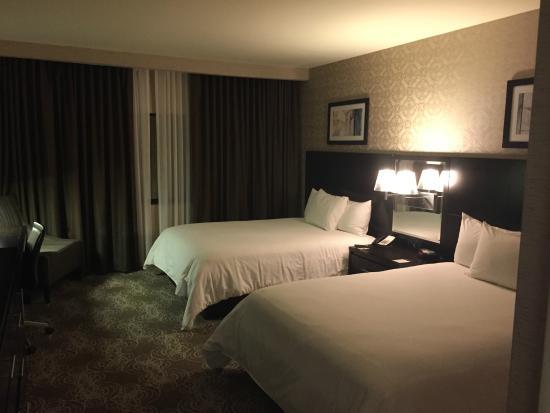 DoubleTree by Hilton Binghamton: Bedroom