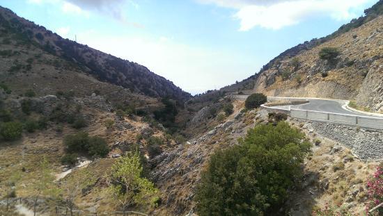 Lefkoritis Resort: View of Imbros Gorge