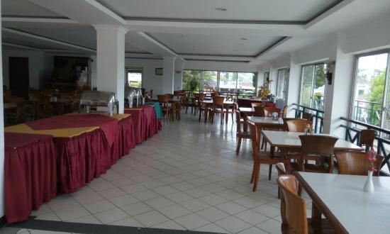 restoran bagian dalam picture of hotel parama puncak puncak rh tripadvisor com