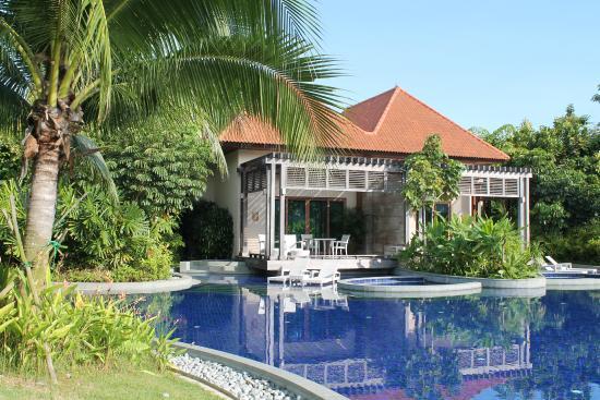 Resorts World Sentosa Equarius Hotel Pool