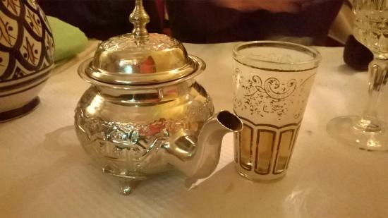 les cinq epices : Le thé à la menthe