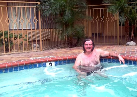 Holiday Inn Express Simi Valley : Wicked Hot-Tub next to lovely Pool!!