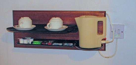Wheatlands Lodge Hotel: hot drink station