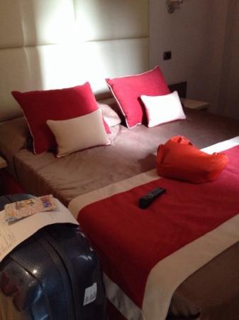 Demetra Hotel: bed