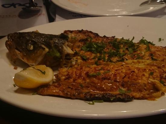 Aquarium picture of the fish market restaurant mahboula for The fish market restaurant