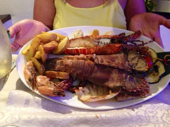 Essence Restaurant: Seafood platter
