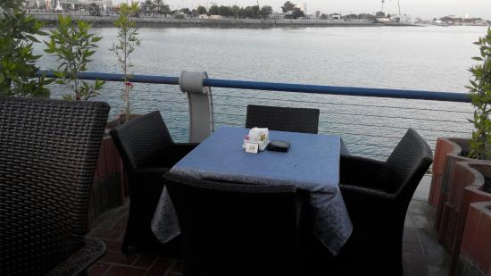 Le Boulanger Cafe : Marina view
