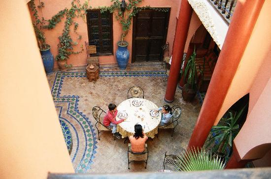 Riad So Cheap So Chic: il cortile per la prima colazione