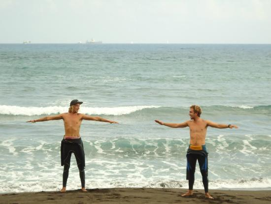 Pro Surfing Company: Uitleg van Walter en Kevin.
