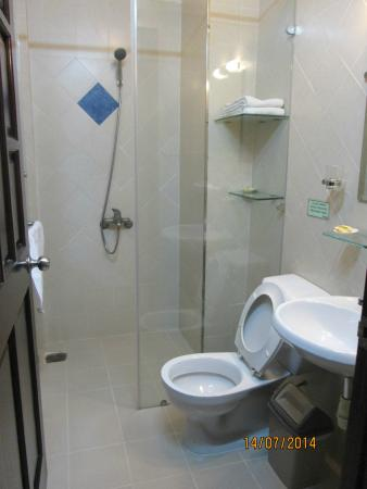 Bich Duyen Hotel: Clean & fully-functioning
