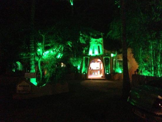 Hotel le Wafou: Hotel entrance