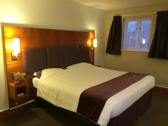 Premier Inn Chorley North Hotel: Bed