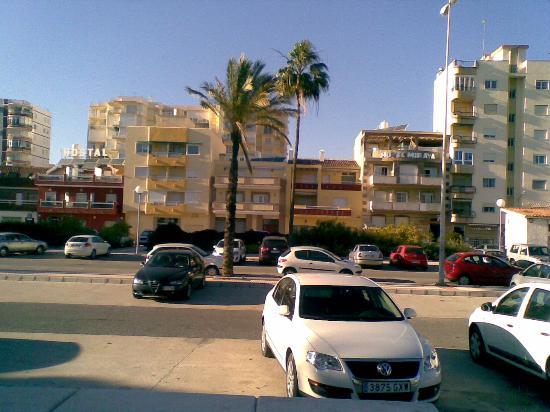 Miraya Hotel: December Sun.