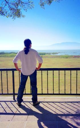 Real de Chapala: Looking at the lake