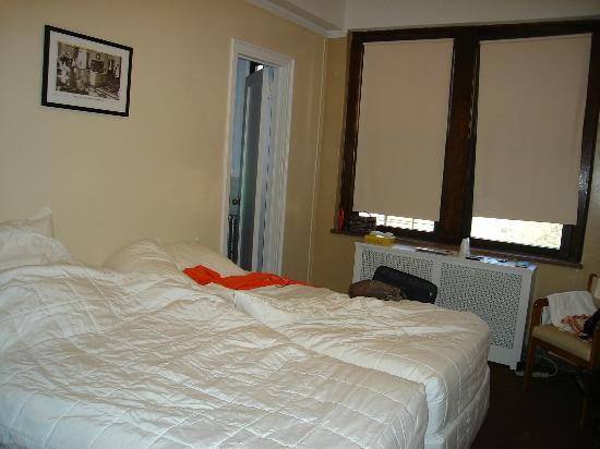Leo House: Hotel Room