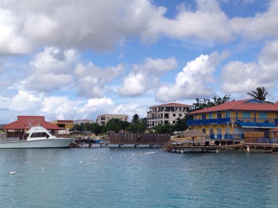 Divi Dive Bonaire: Divi Dive shop's pier
