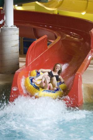 Red Jacket Mountain View Resort & Water Park: Kahuna Laguna water slide