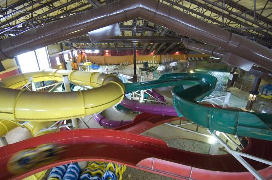 Red Jacket Mountain View Resort & Water Park : Kahuna Laguna 40,000 sq.ft. indoor water park at the resort