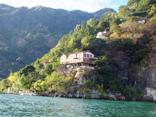 La Casa del Mundo Hotel: View as you approach