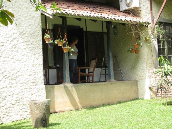 Bangalawa: patio