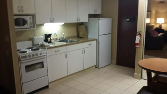 Extended Stay Canada - Ottawa: Eat in kitchen - King suite