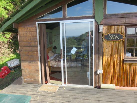 Amapondo Backpackers Lodge: Our bedroom door