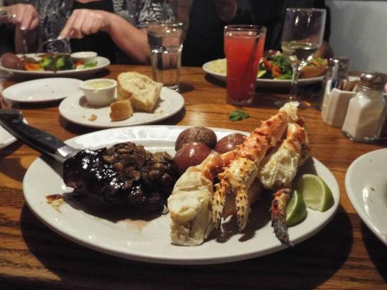 Sirloin and king crab legs fotograf a de the fresh fish for The fresh fish company