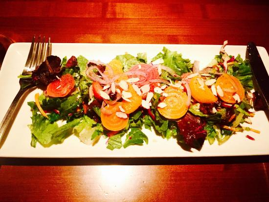 Winewood Grill: Very good Beets Salad.